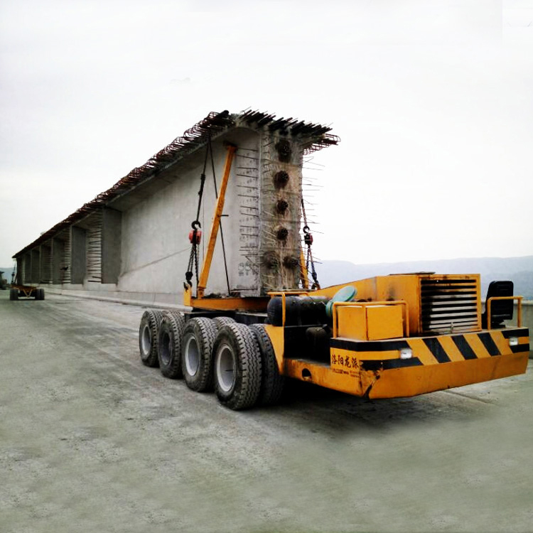 Girder transporting vehicle for launcher grider crane