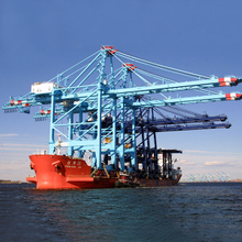 Rail Mounted ship to shore container&cargo loading&unloading portal crane