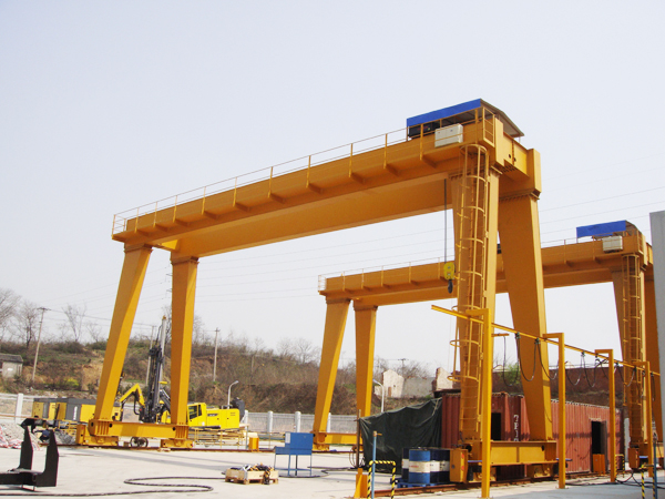 The use of hoisting machinery requirements
